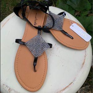 CHARMING CHARLIE Embellished Sandals Thongs Sz 10